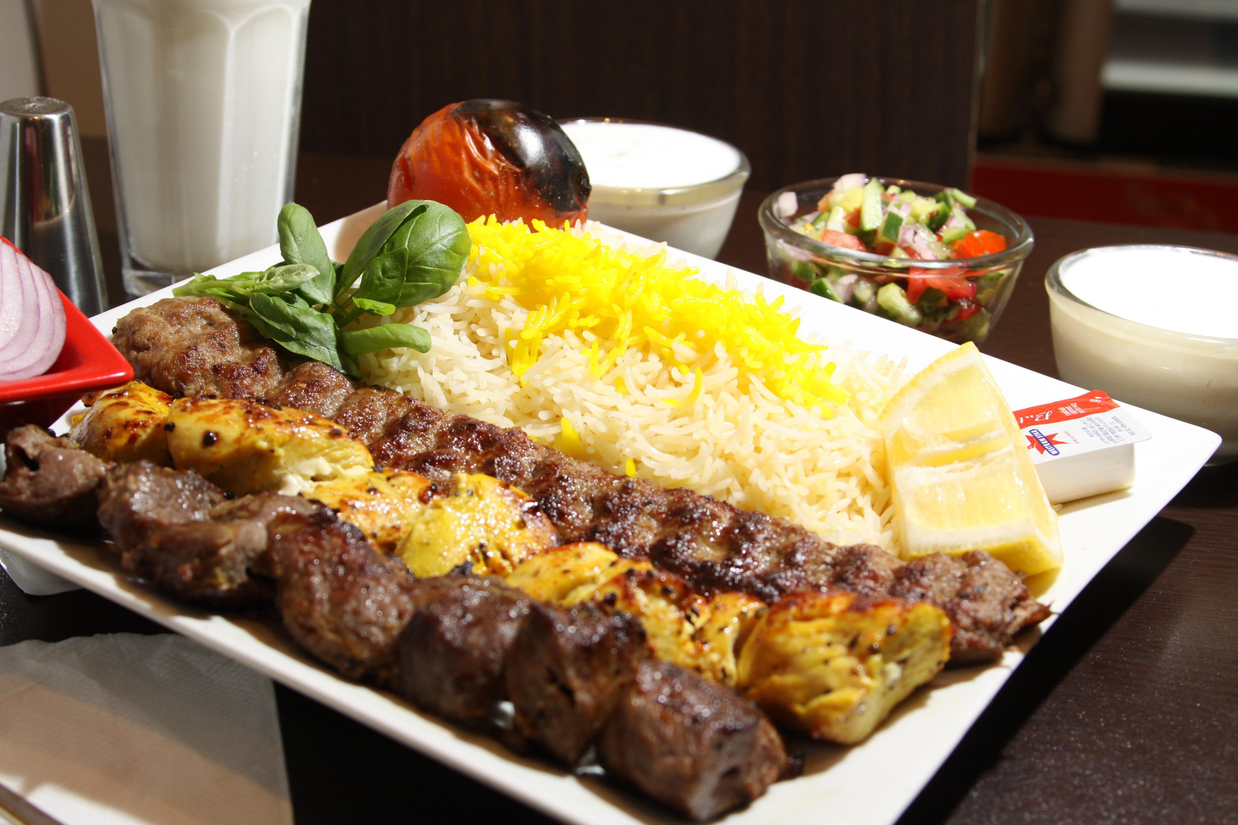 تهیه غذای شاران